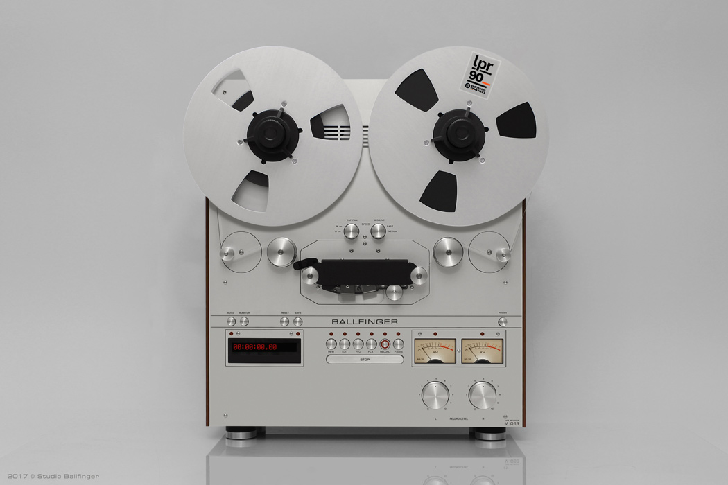 Tape_Recorder_M063_H3_Front.jpg