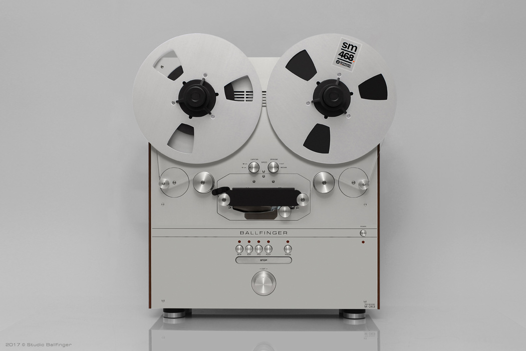 Tape_Recorder_M063_HX_Front.jpg